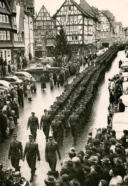 Die Bundeswehr zieht in Fritzlar ein, 14.12.56